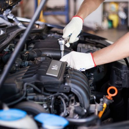 Advantages of a Vehicle Repair Manual